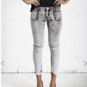 NWOT One Teaspoon Cropped Jeans